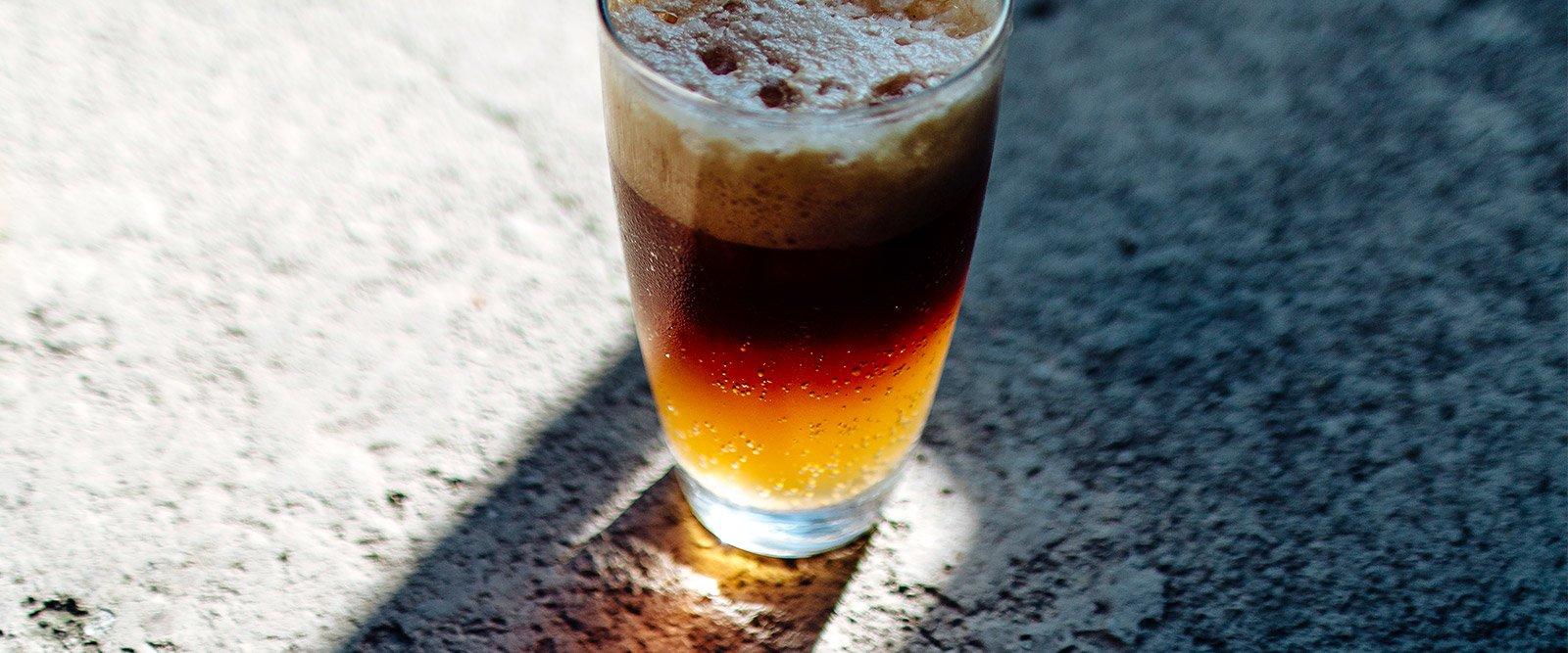 Drinks com café: 10 receitas para quem ama café alcoólico
