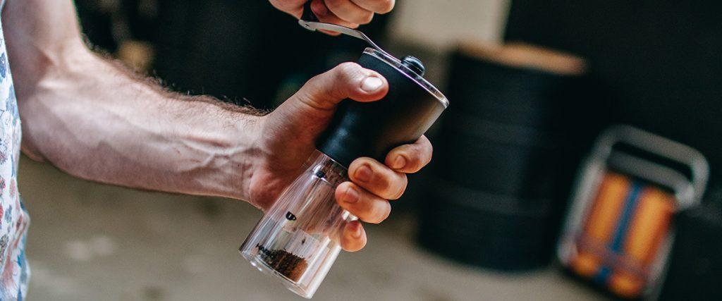 Na hora de encontrar os melhores moedores de café, algumas informações vão te ajudar. Confira!