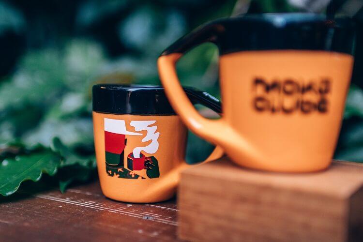 Copos e canecas de café criativas do Moka Clube