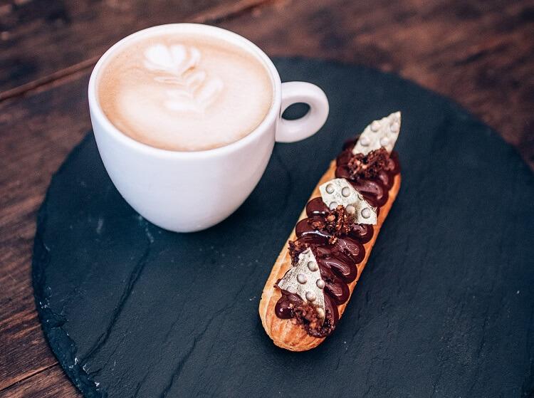 Café com bolacha