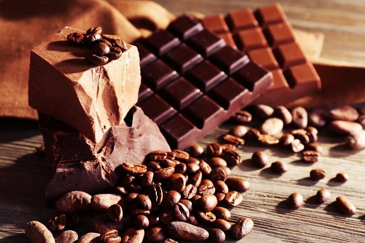 Barra de chocolate com grão de café